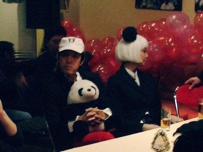 <em>Konzeptkünstler Zhao Bandi und Begleiterin beim Sohu-Bloggertreffen 2007 (Foto:LLM)</em>